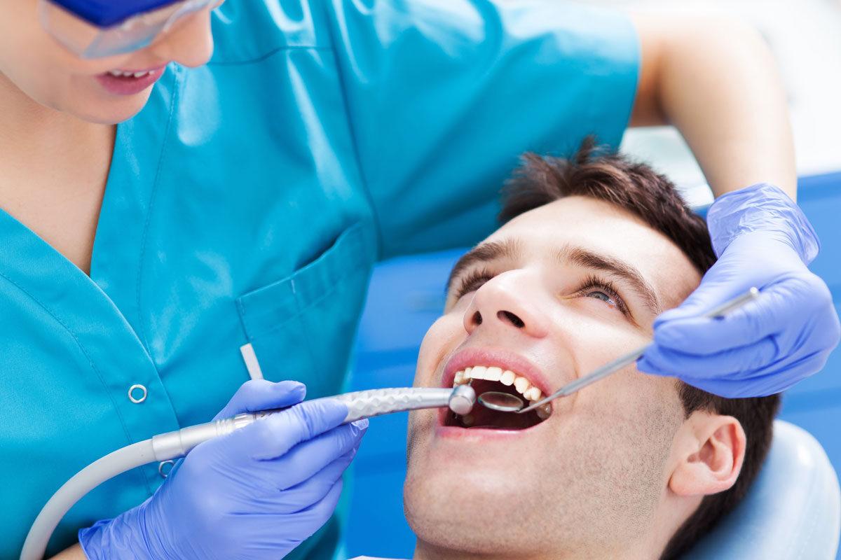 dentista-dentologies-reconstruccion-1200x800-1200x800.jpg